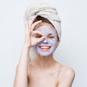Minimizes Signs of Aging